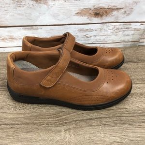 DREW Mary Jane Loafers Camel Brown Size 8.5 M